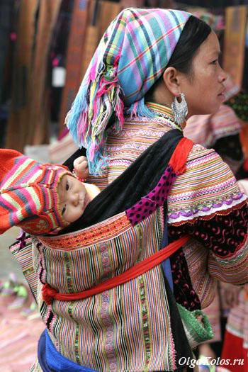 Цветочные хмонги на рынке в Бак Ха