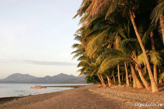 Пляж Wodong рядом с Маумере