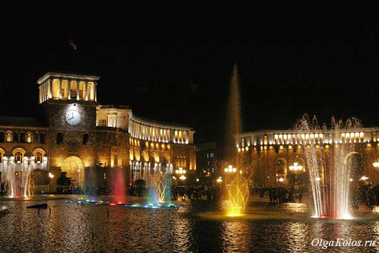 Танцующие фонтаны на Площади Республики