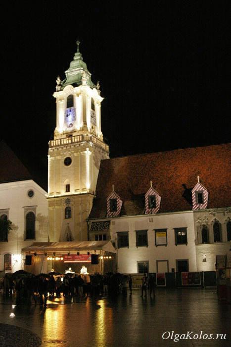 Ночной Старый город в Братиславе