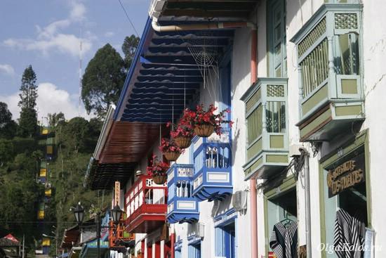 Разноцветные балкончики Саленто
