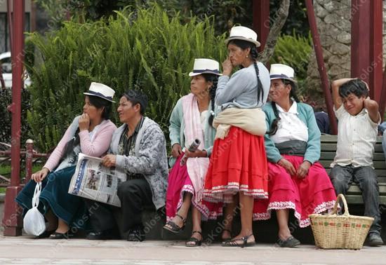 Воскресный индейский рынок в Гуаласео
