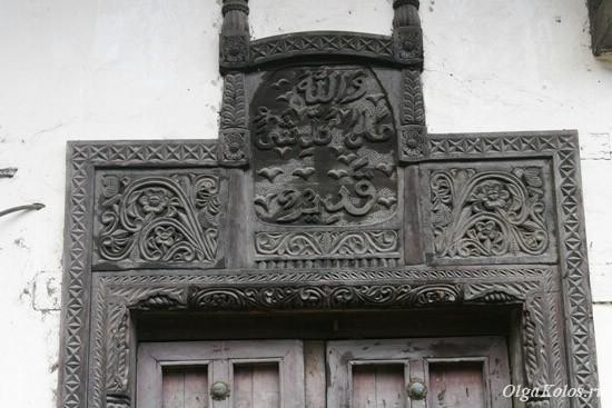 Старинные резные двери в Момбасе