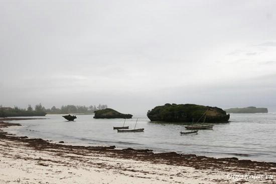 Пляж в Ватаму в дождливый сезон