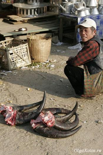 Рынок в Сам-Неа