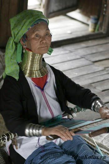 Бабушка-падаунг