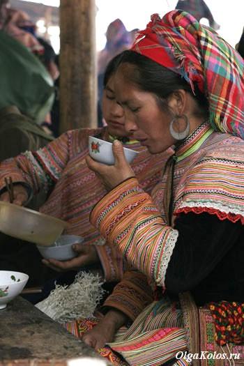 Рынок цветочных хмонгов в Кан Кау